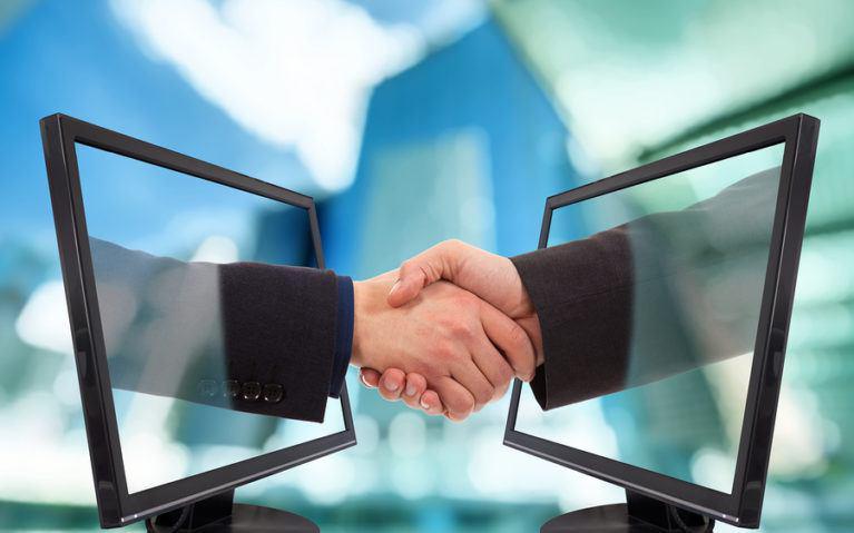 ارتباط با مشتریان